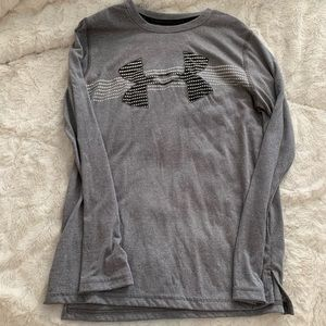 Boys Long Sleeve Under Armour Tee Medium